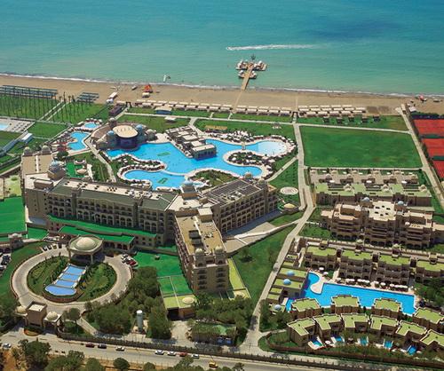 کل هتل و مسیرش رو به دریا